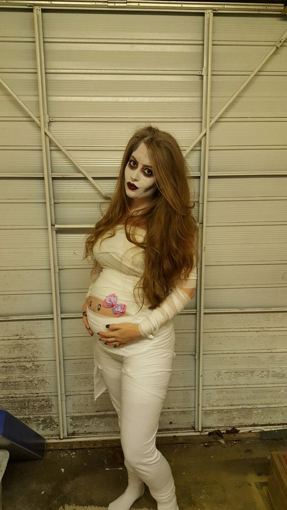 22+ Awesome Pregnant Halloween Costumes For 2019