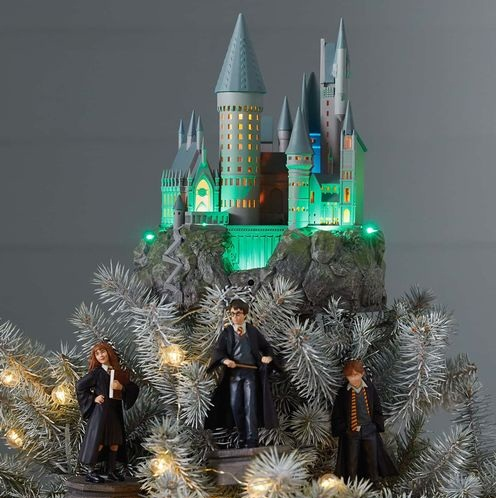 'Harry Potter' fans can now buy a Hogwarts Christmas tree topper